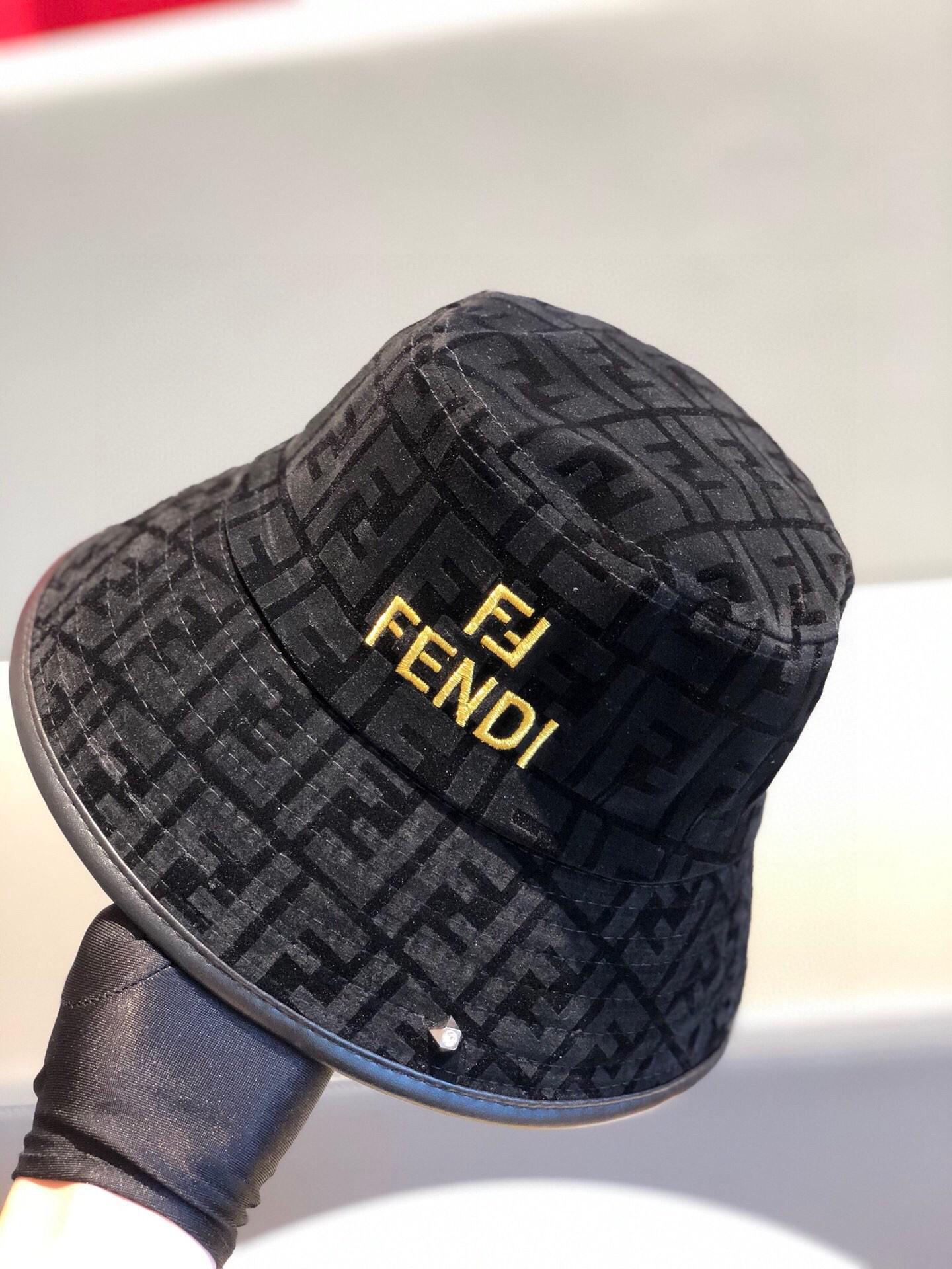 特批芬迪FENDI渔夫帽简约大方超级