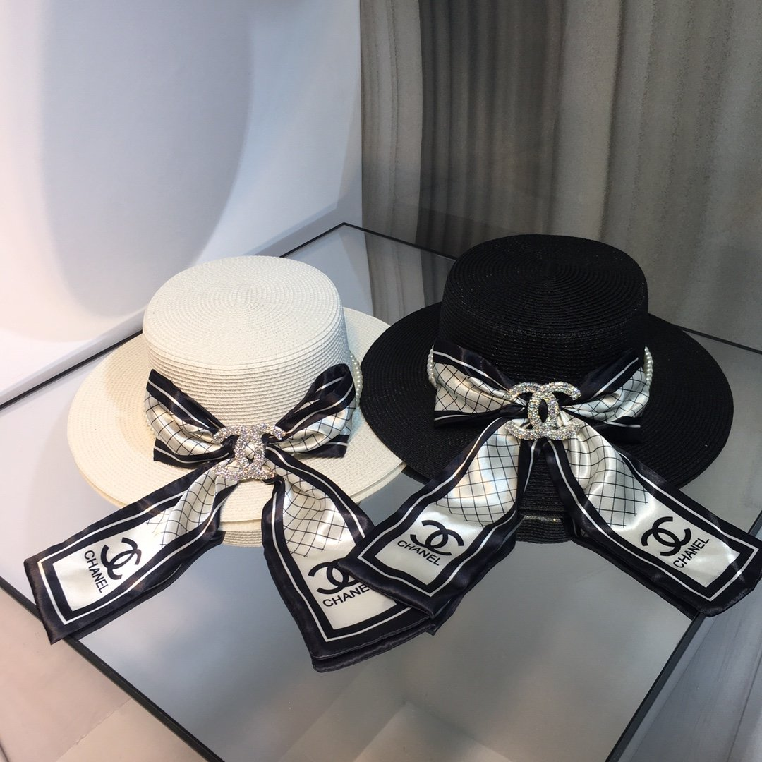 上新香奈儿CHANEL丝巾搭配珍珠平