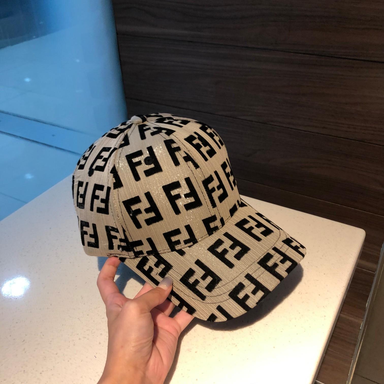 特批芬迪FENDI棒球帽简约大方超级