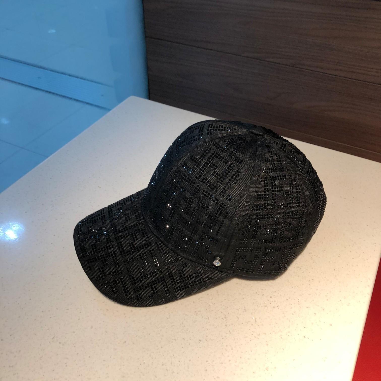 芬迪FENDI棒球帽简约大方超级无敌