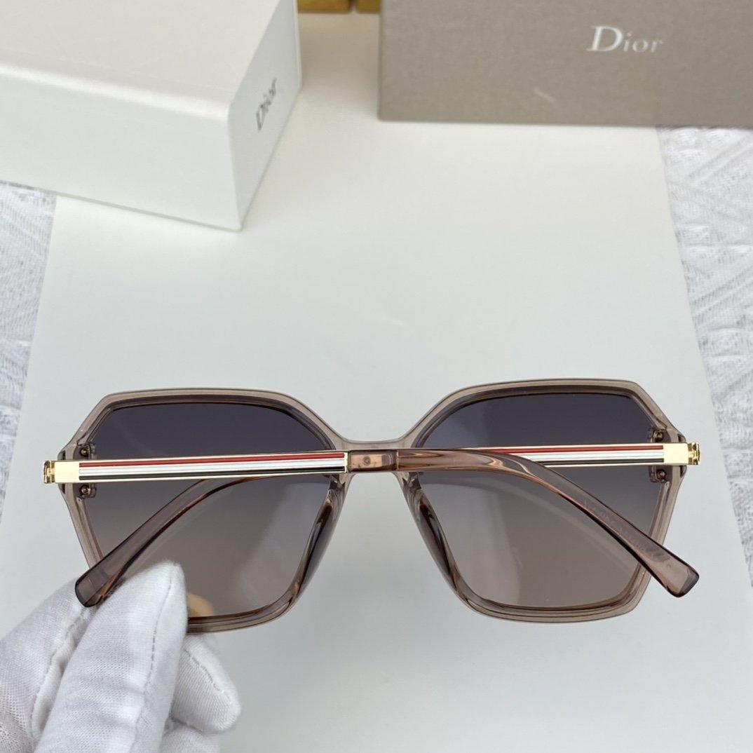 Dior迪奥D家新款出货高清宝丽来偏