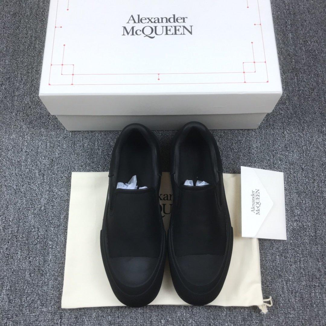 全黑一脚蹬MCQ小白鞋