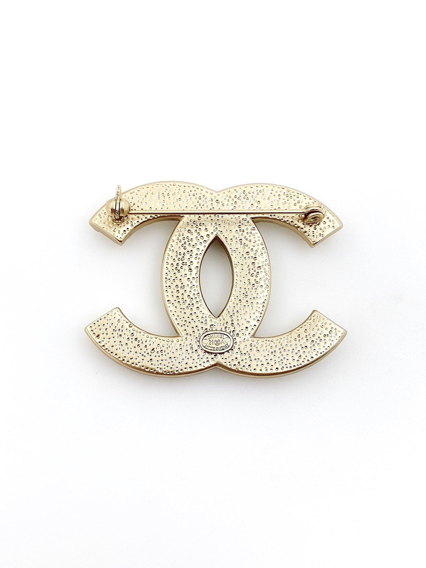 CHANEL小香珍珠排钻双c胸针高端