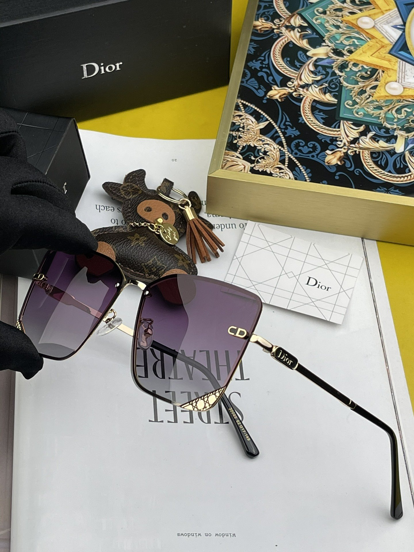 新款BYDIOR3F迪奥时尚镂空设计