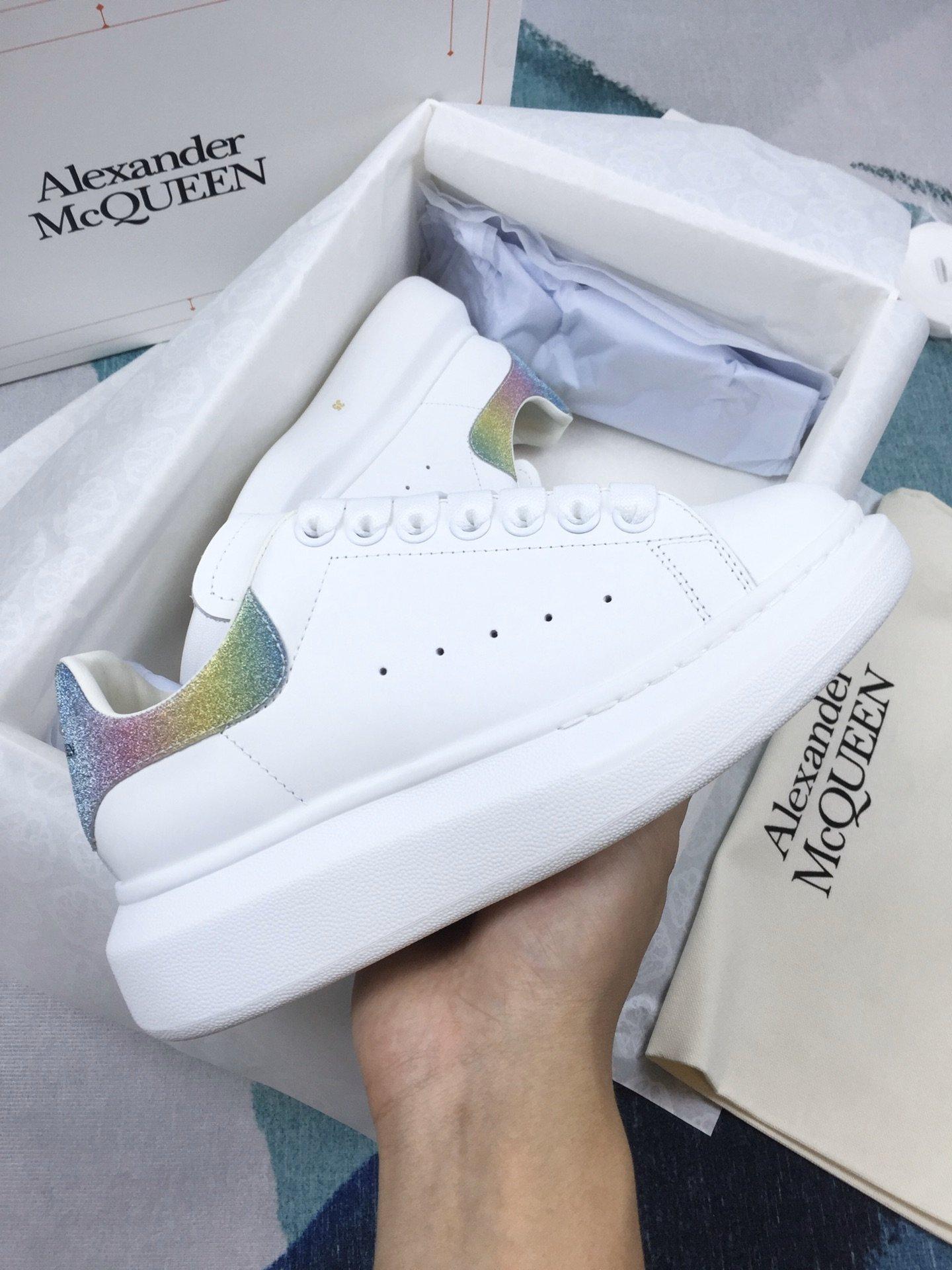七彩尾MCQ小白鞋