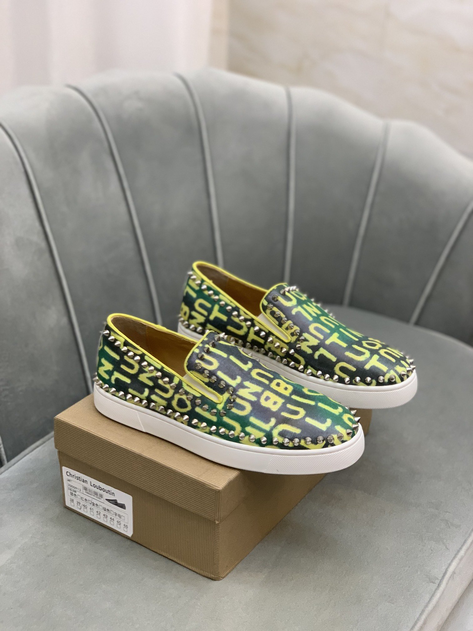 商品商标CL红底鞋*克里斯提.鲁布*