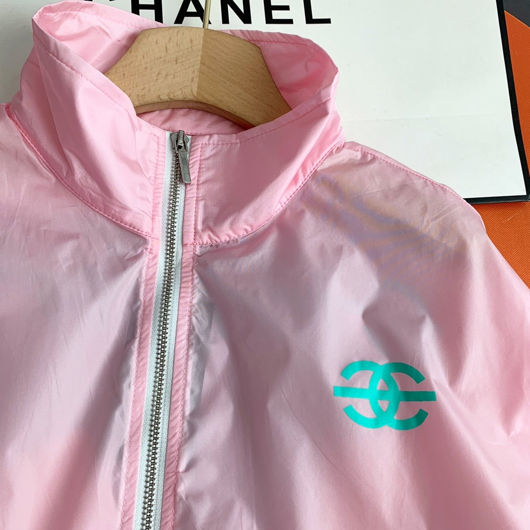 Chanel恶搞印花印花撞色防晒衣图