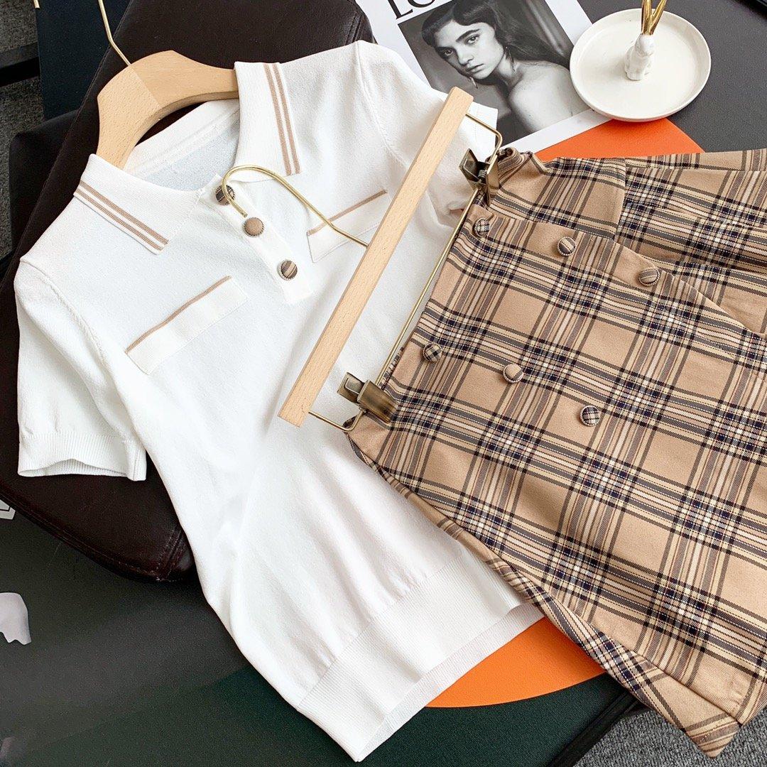 Burberry格子冰丝针织短裙套装