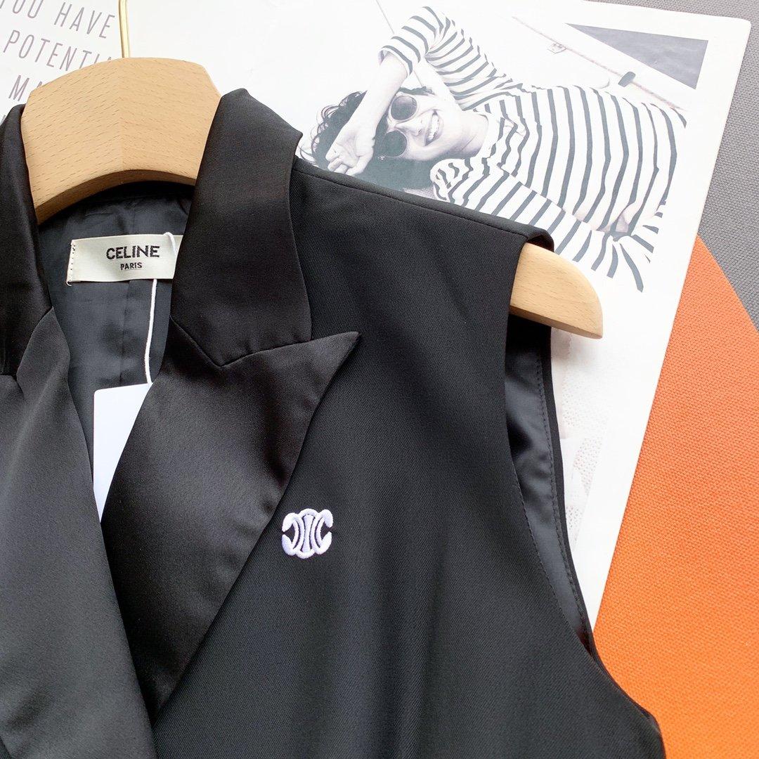 Chanel金属双排扣刺绣双C马甲西