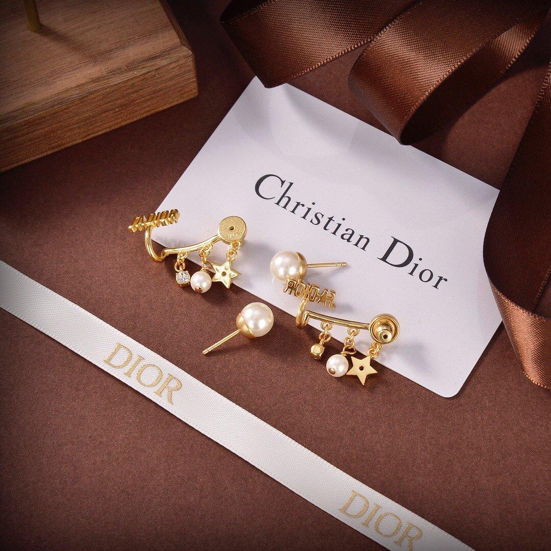 迪奥dior精致女人珍珠CD耳环贵族