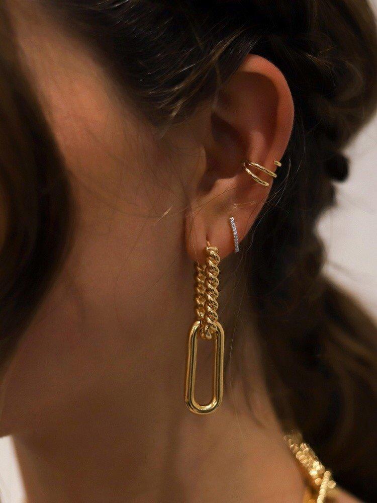 Celine新款金色环环相扣耳环与众
