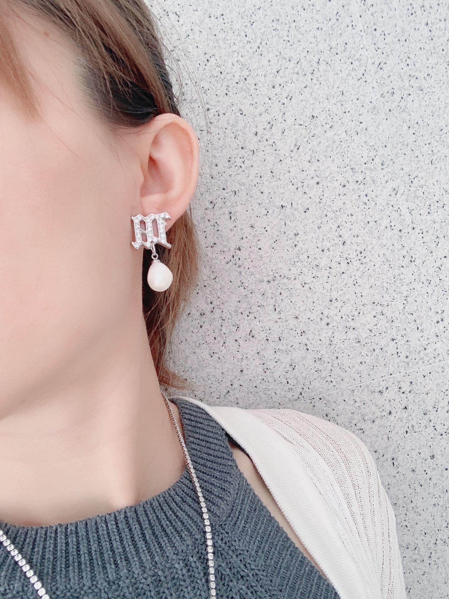 新品明星同款天然珍珠耳钉网红冷淡风小