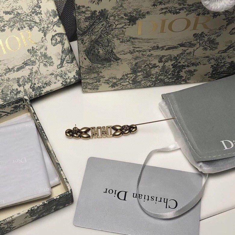 Dior迪奥DIOR系列钻石元素胸针