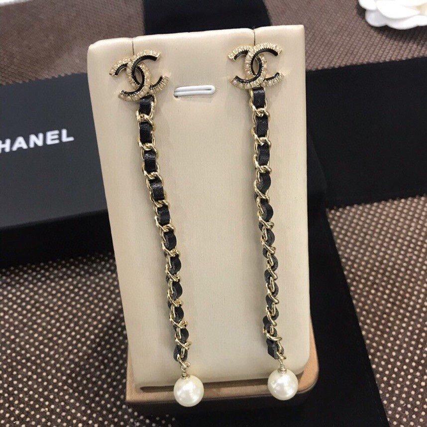 新款出货Chanel香奈儿黑皮耳吊小