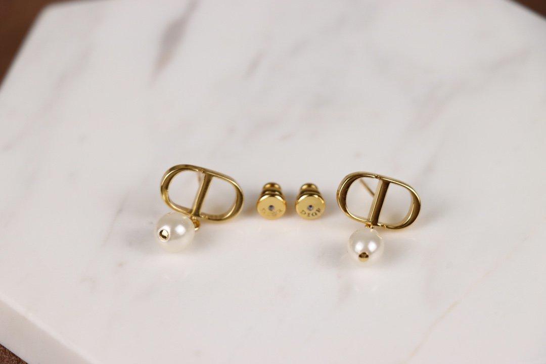 DIOR迪奥珍珠CD字母耳环原版一致