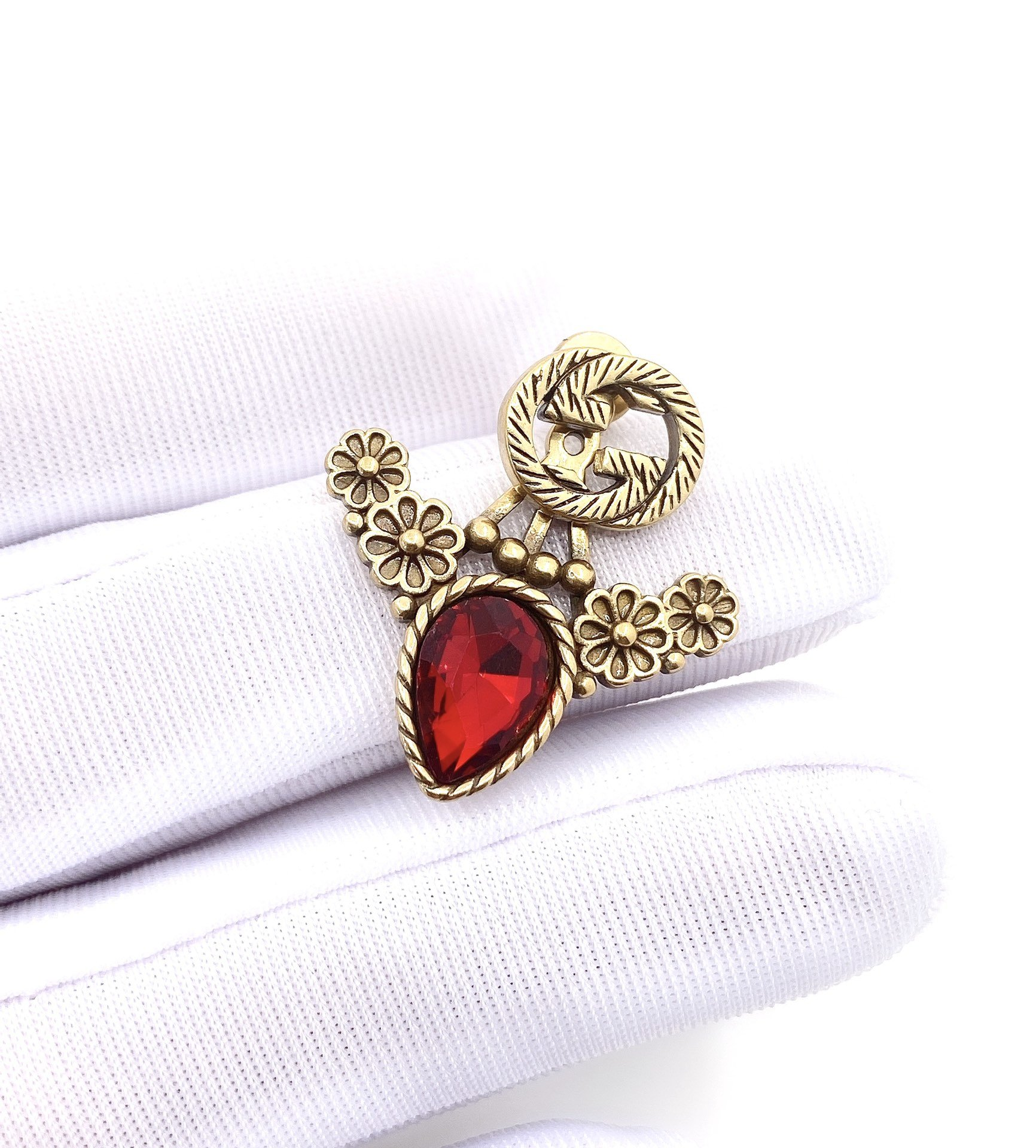 古驰复古红宝石花朵两戴款耳环