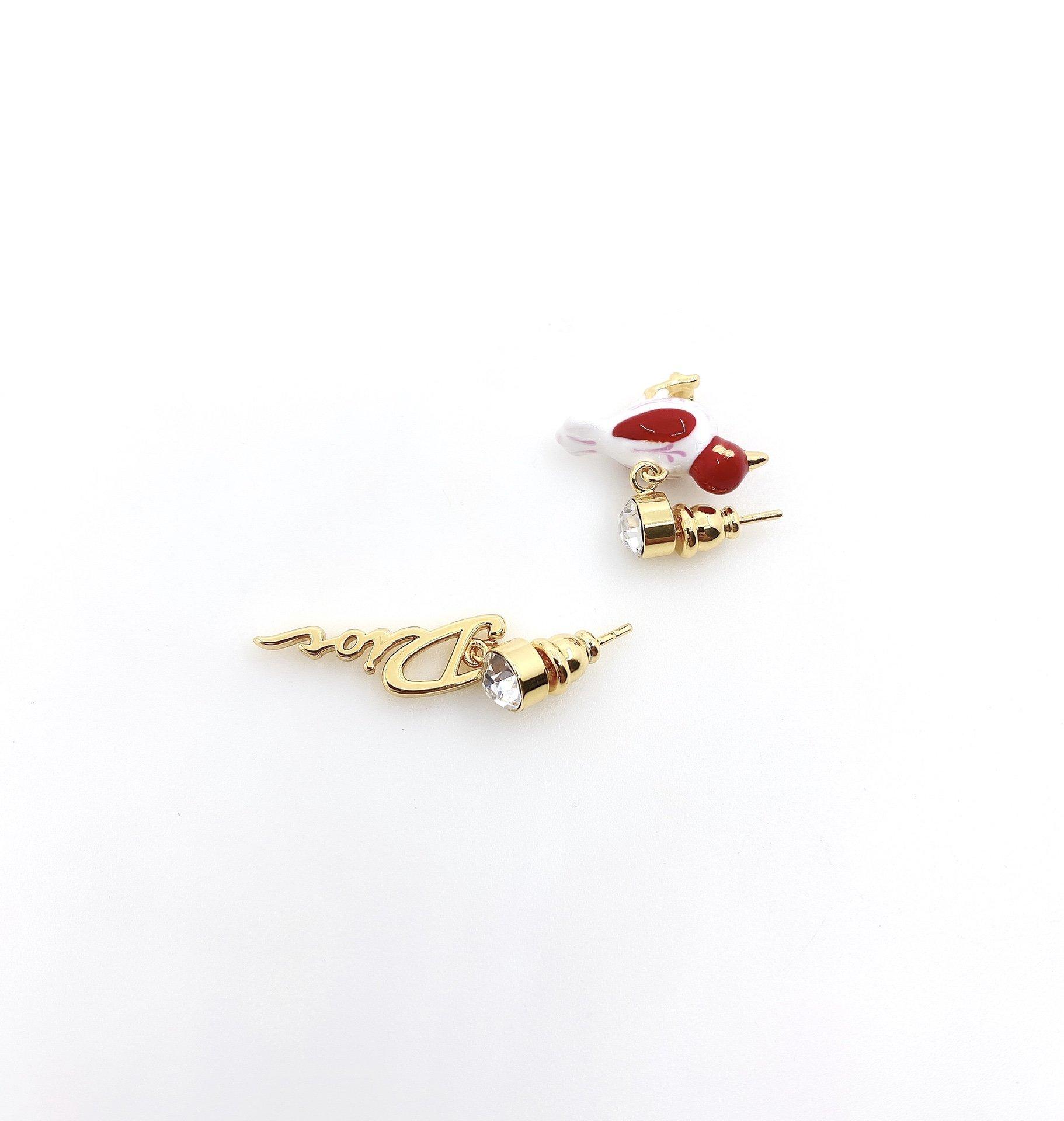 Dior最新款红色小鸟不对称耳钉一致