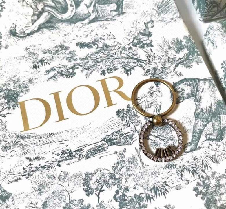 Dior迪奥圆圈镂空字母戒指一致ZP