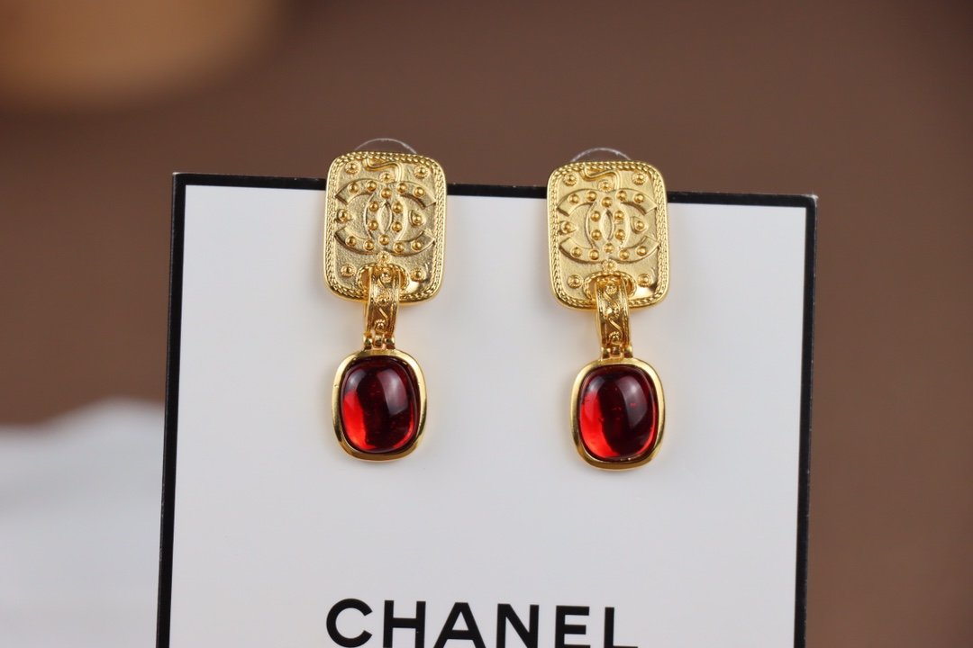 Chanel香奈儿小香圆形中古耳环热