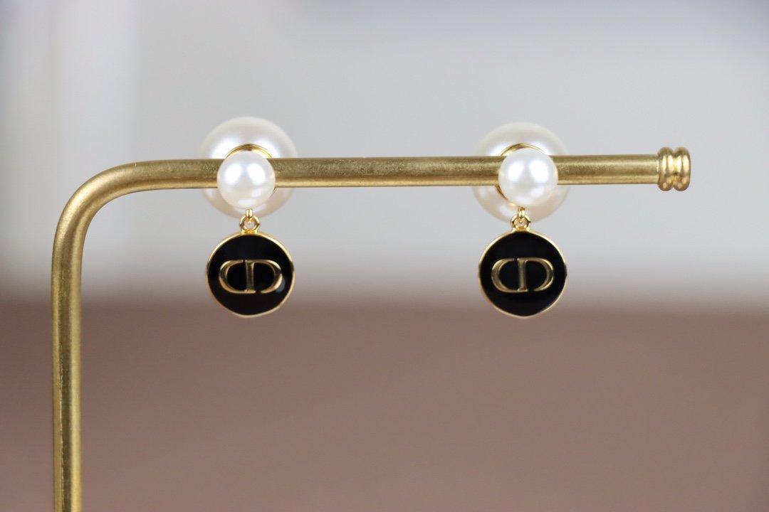 耳环/手链/项链Dior迪奥火爆开启