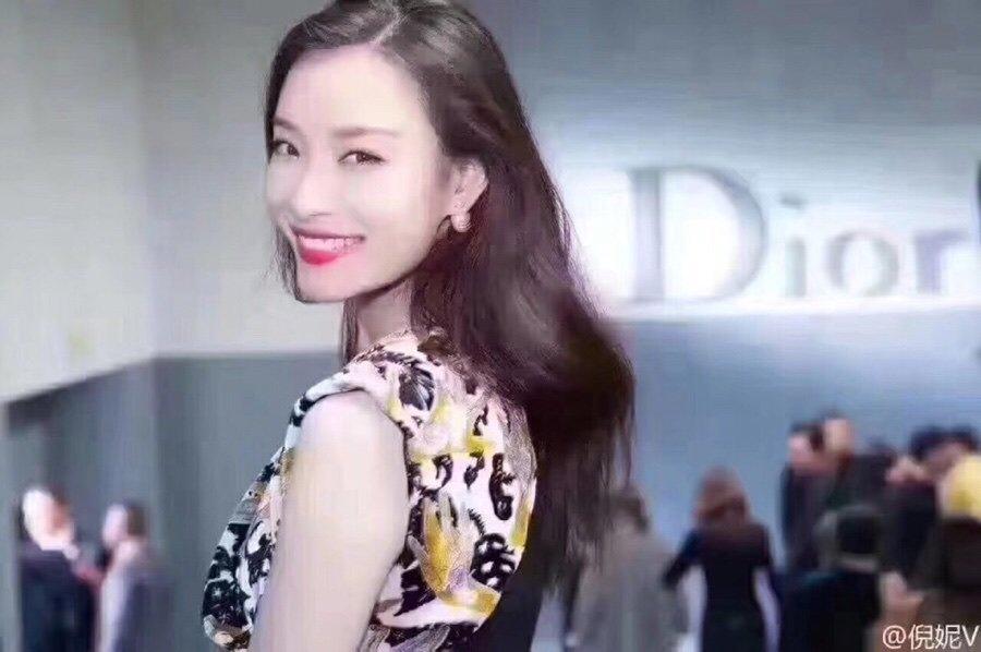 爆款到Dior错位不对称珍珠耳钉厂家