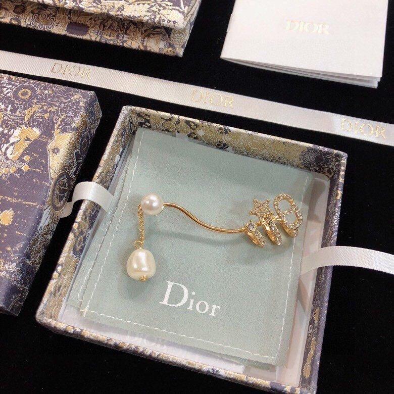 Dior迪奥新金色珍珠单边耳钉超个性
