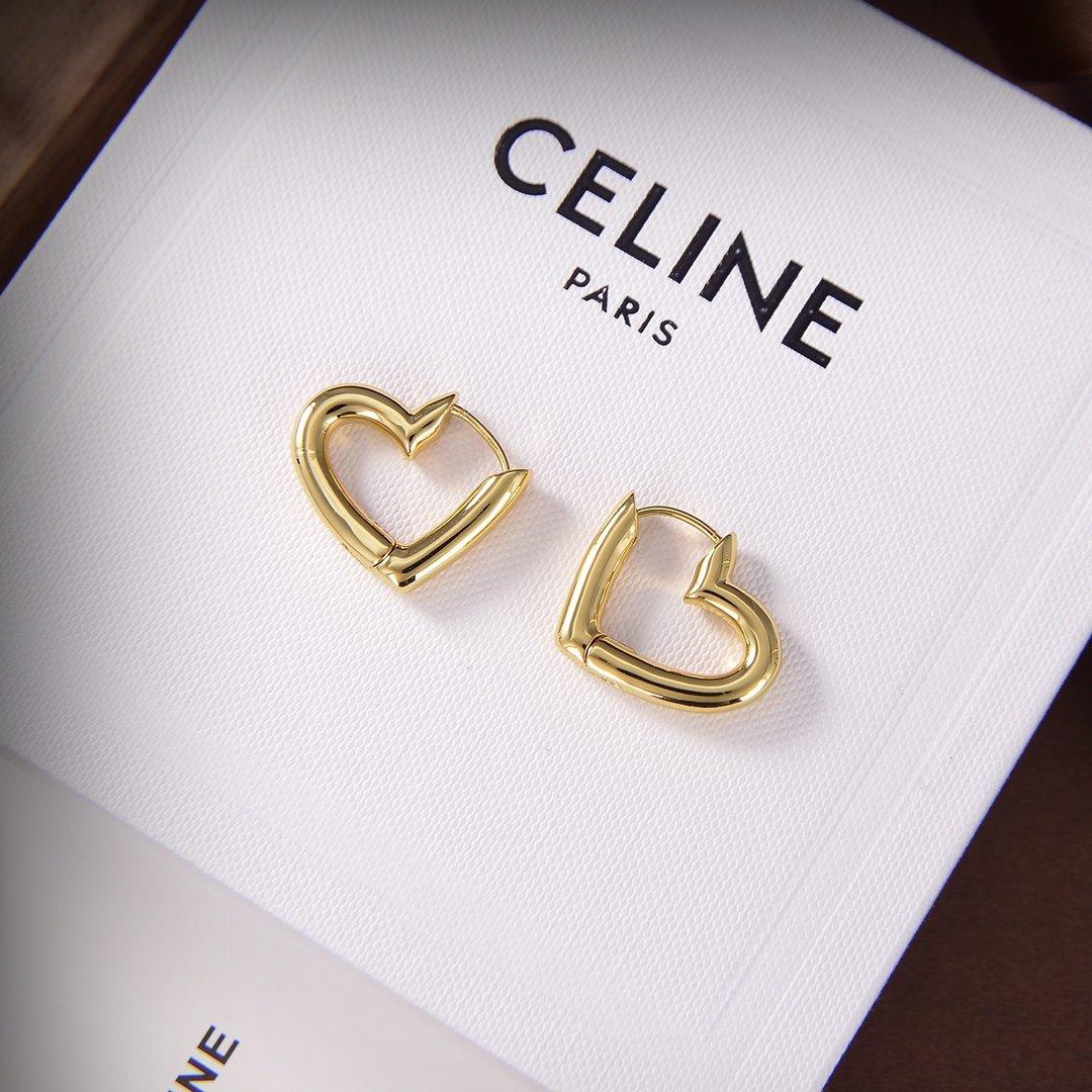 Celine新款金色爱心耳钉与众不同