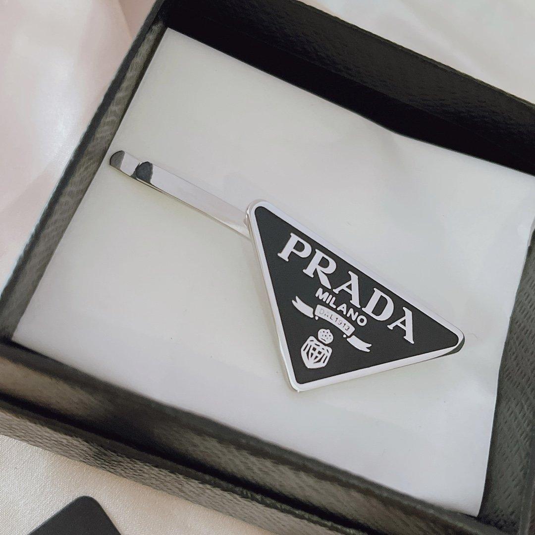 AA532PRADA普拉达今年的Pr