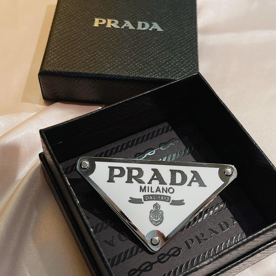 AA556PRADA普拉达今年的Pr