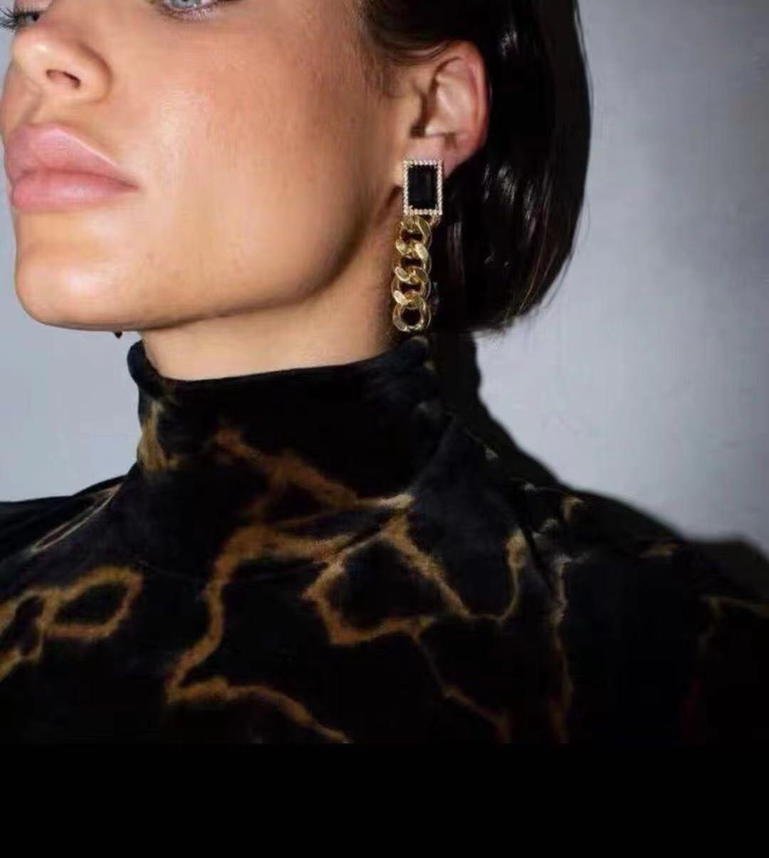 Celine新款链条耳钉与众不同的设