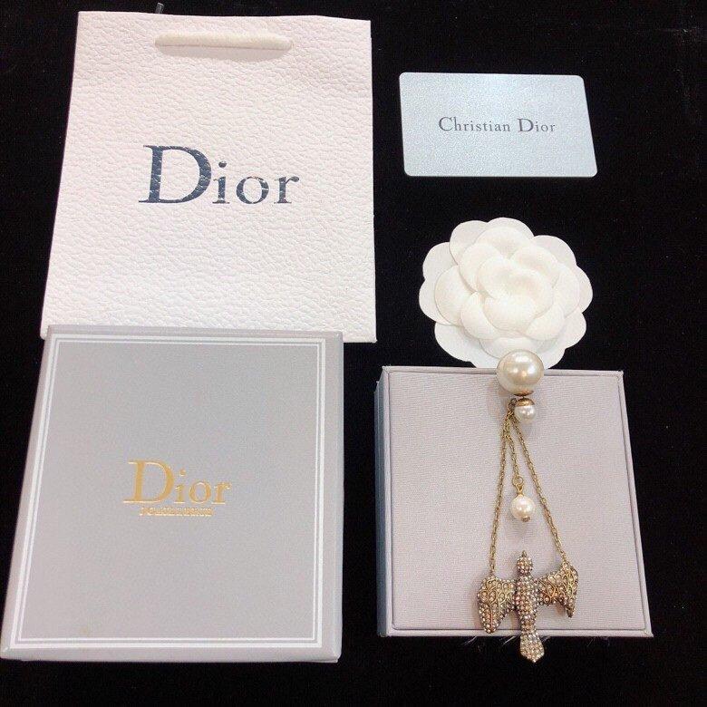 Dior迪奥新复古淡金色珍珠单边耳钉