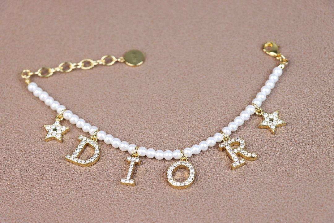 Dior大号迪奥珍珠手链专柜尺寸非迷