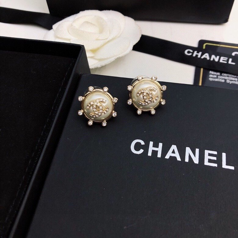 Chanel香奈儿最新款耳钉热销款市