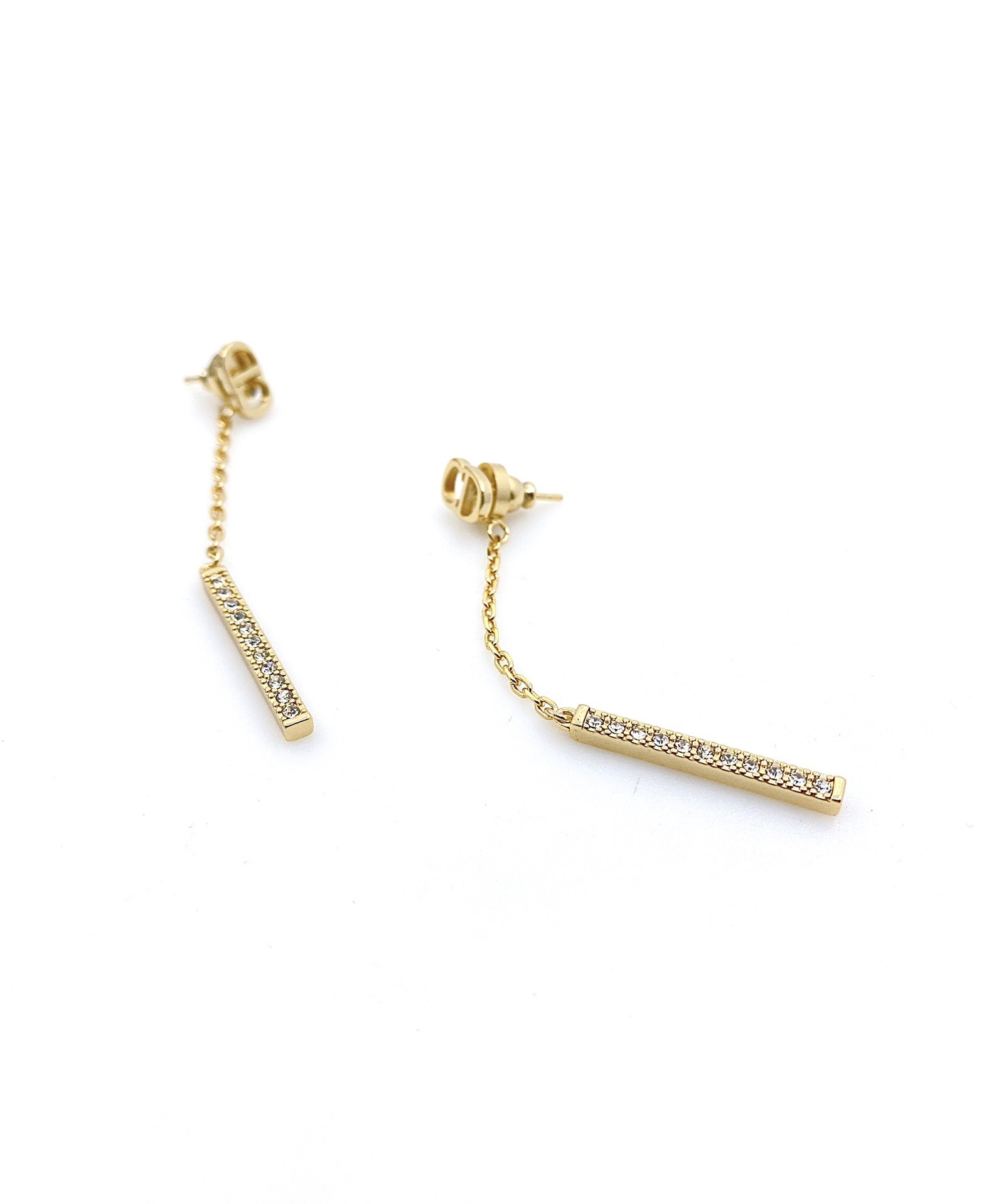 DiorCD线条耳钉非常简约时尚的一