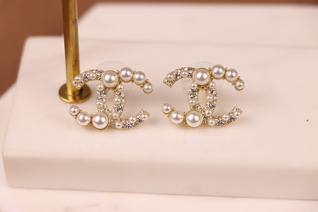 Chanel香奈儿2021新款珍珠耳