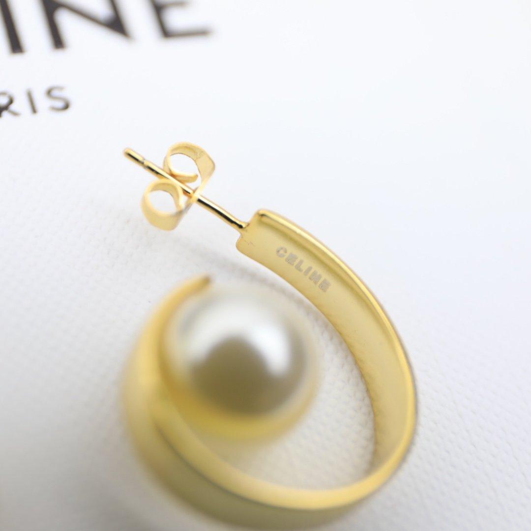塞林CELINE欧美时尚款珍珠耳钉艺