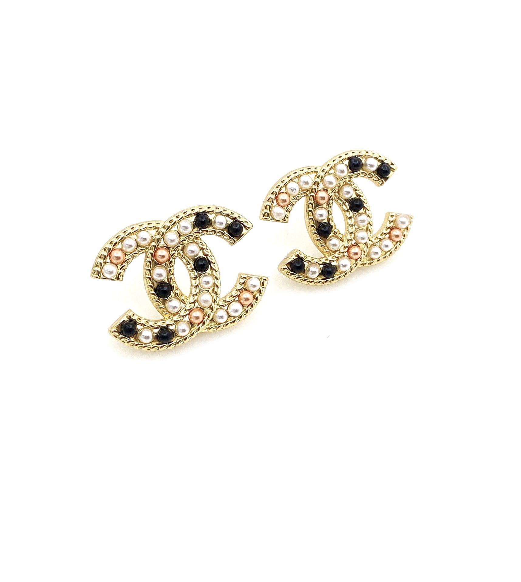小香新款经典双C彩色珍珠耳钉