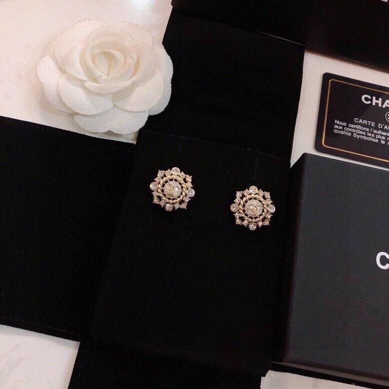 Chanel香奈儿新款耳钉热销款市面