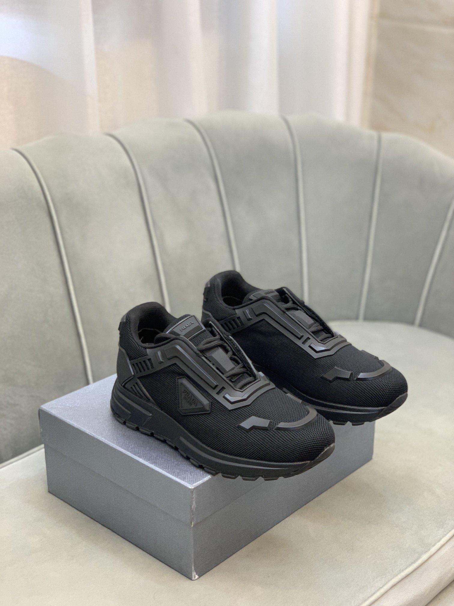 高端品质商品商标Prada*普拉*低