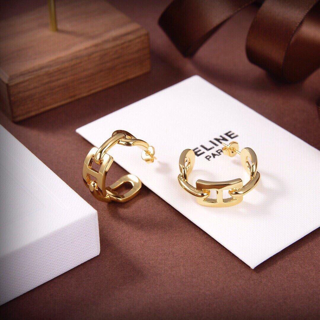 Celine新款艺术感十足耳钉黄铜材