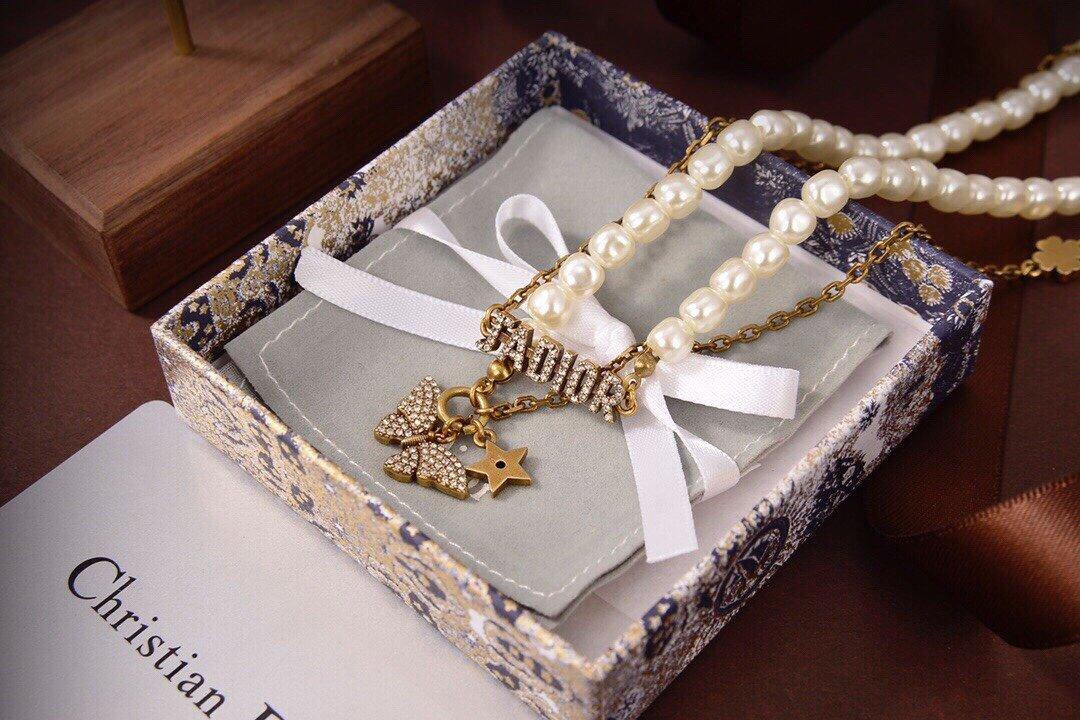 Dior迪奥蝴蝶项链专柜新款上市美得