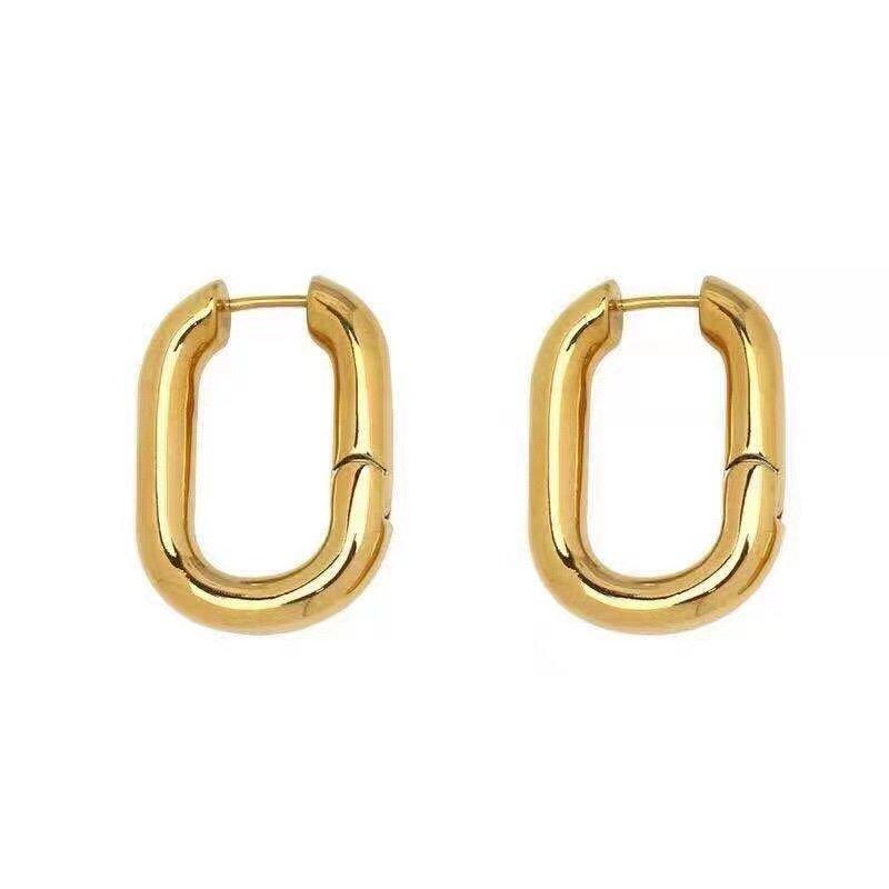 Celine方形耳环与众不同的设计个