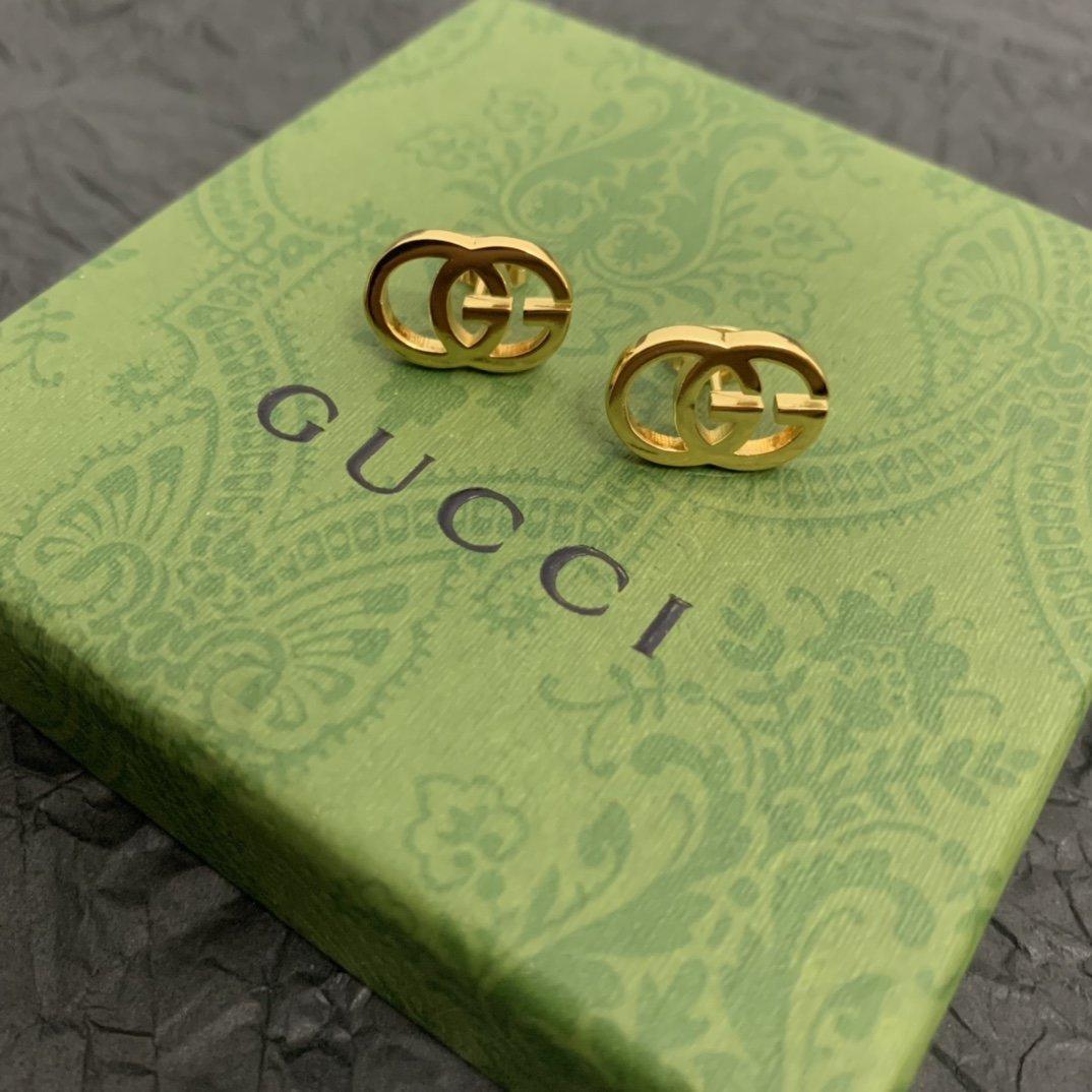 GUCCI双G耳钉双G是Gucci的
