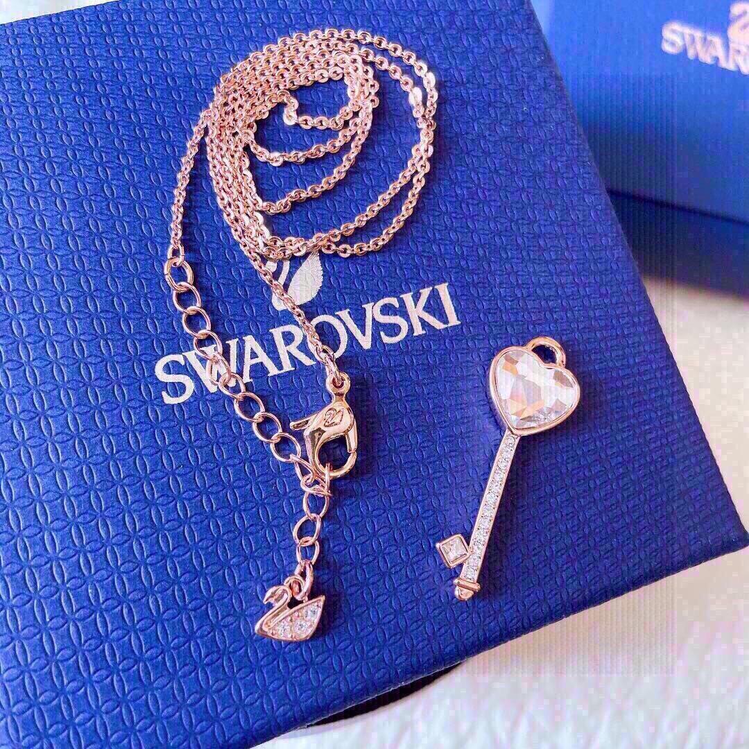 新品到货代购级别施华洛世奇钥匙心水晶