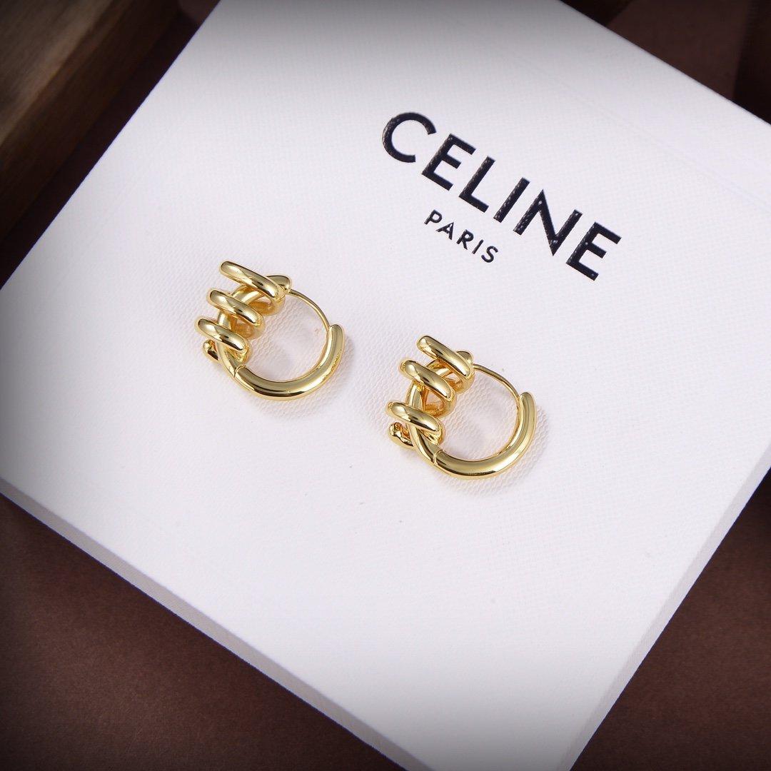 Celine新款金色耳环与众不同的设