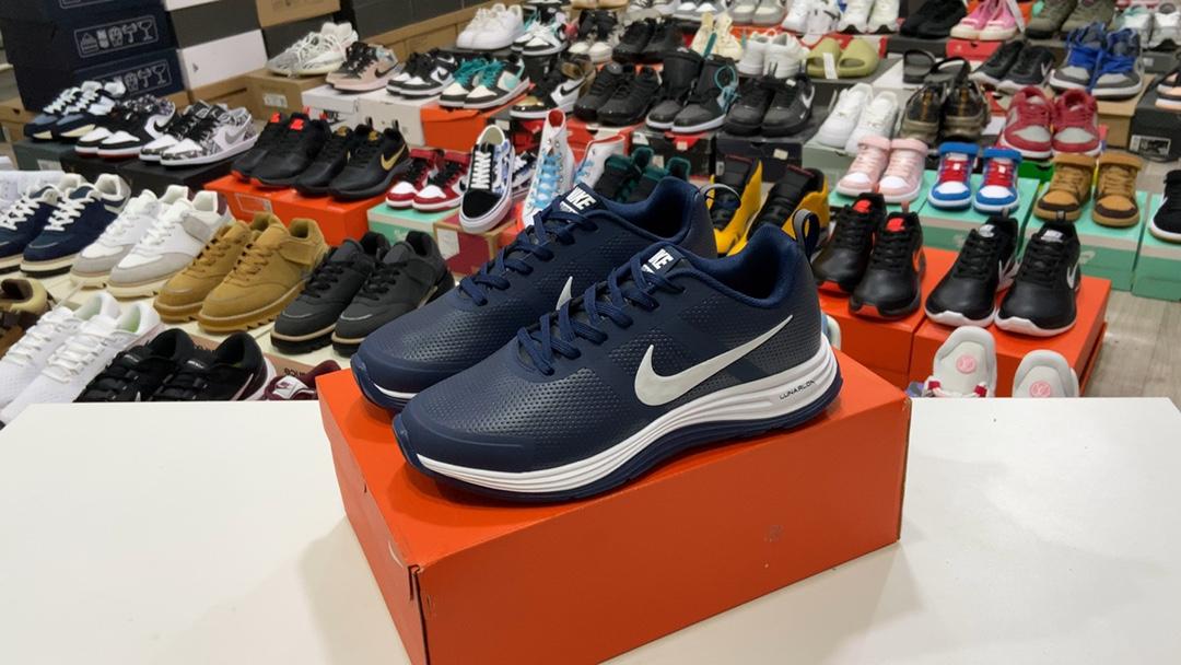 莆田鞋版本180皮面款耐克NikeAirPEGSUS30X登