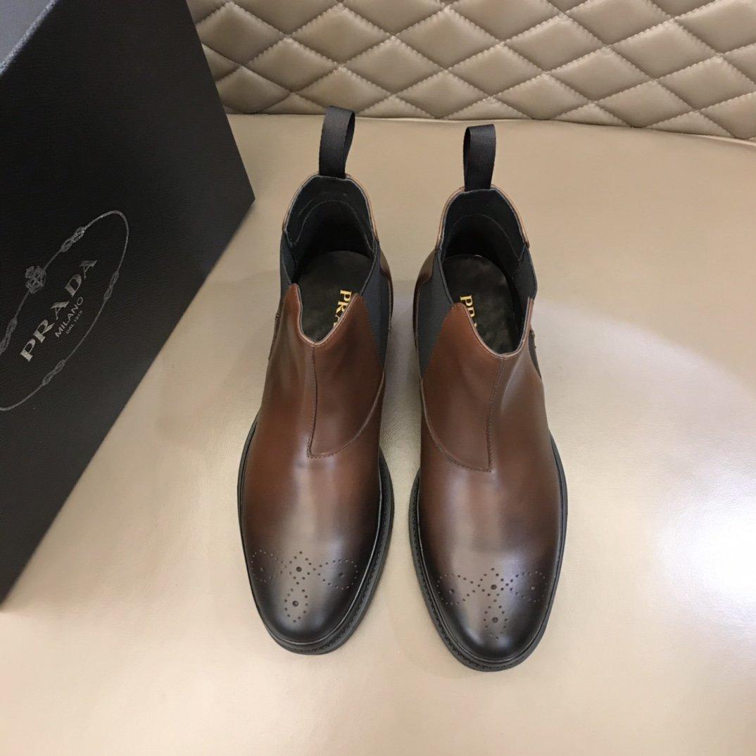 Prada2021秋冬切尔西男靴这款
