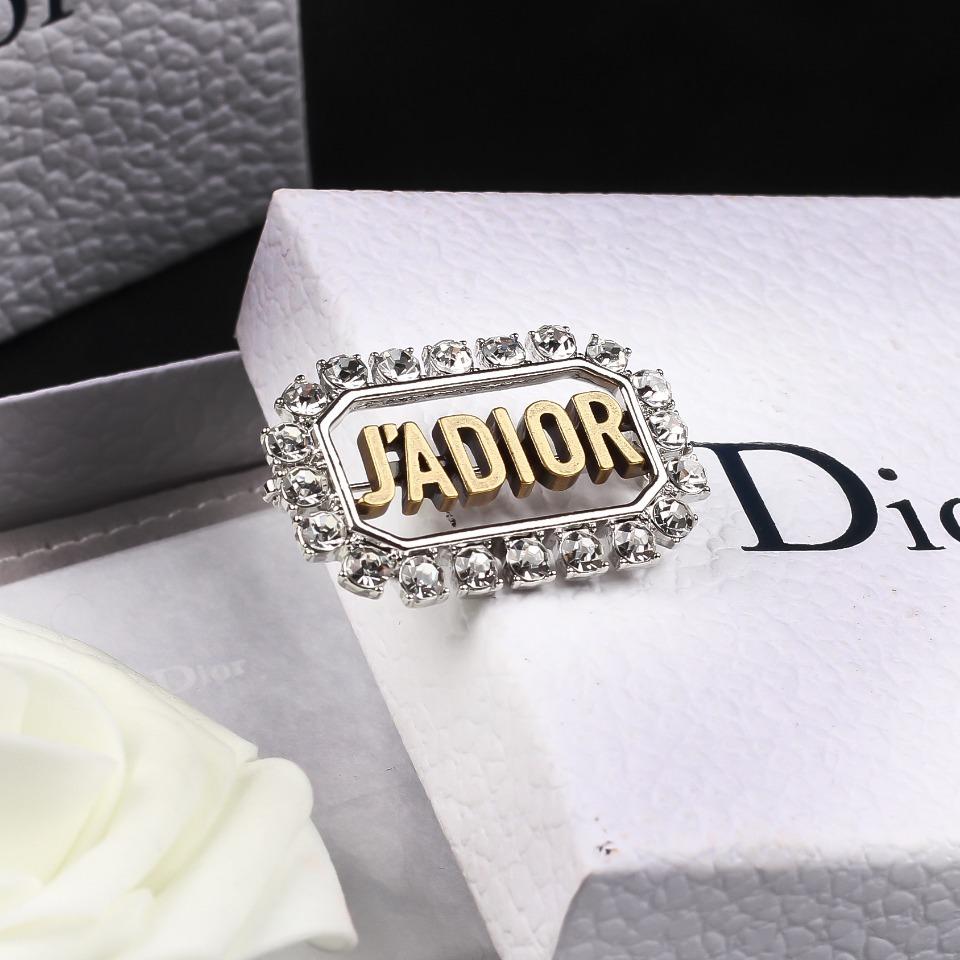 Dior迪奥胸针