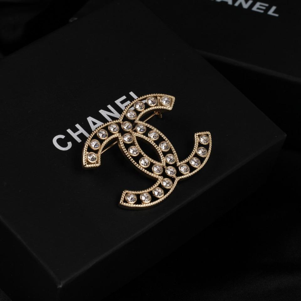 Chanel香奈儿胸针