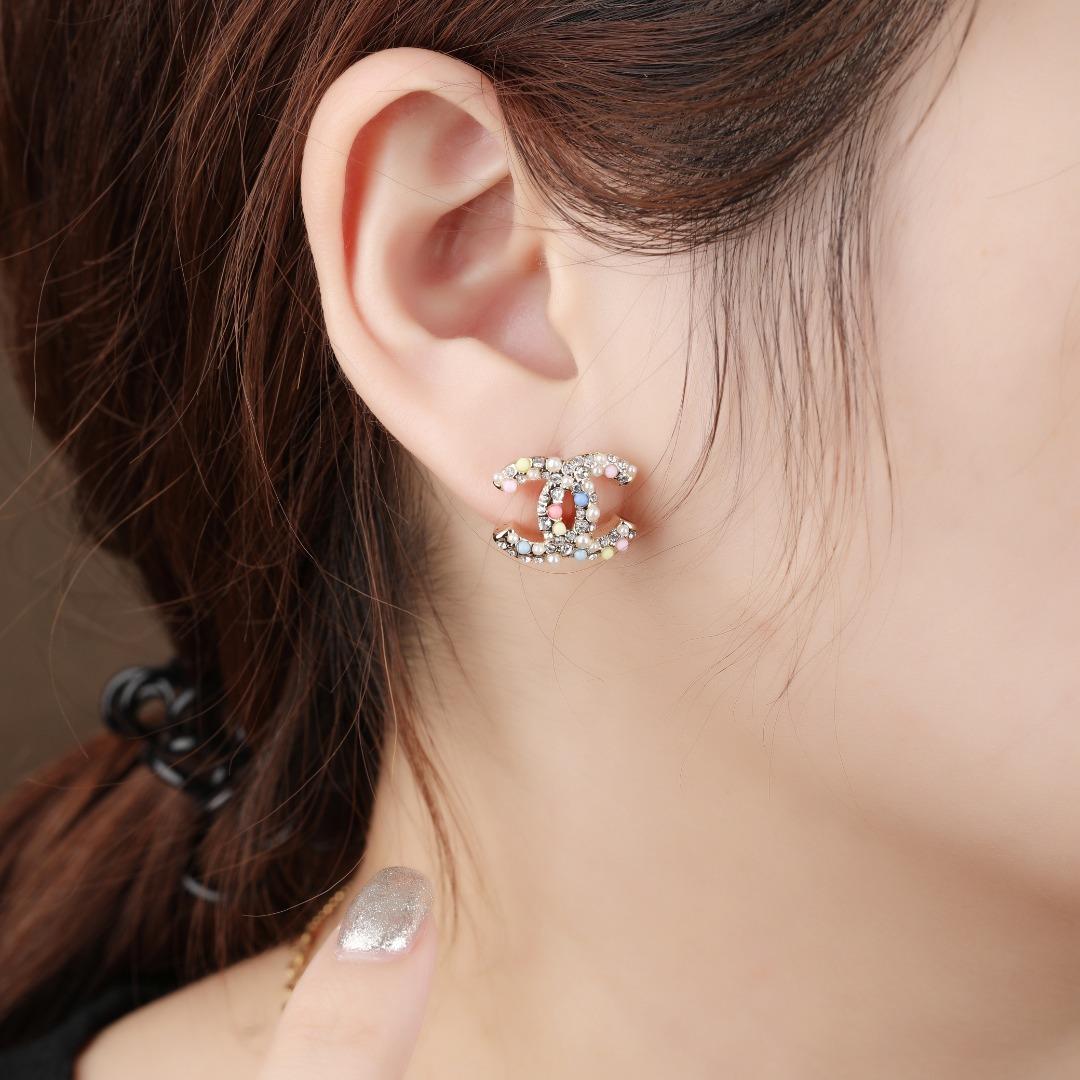 小香新款耳环彩珠耳钉每个细节做工非常